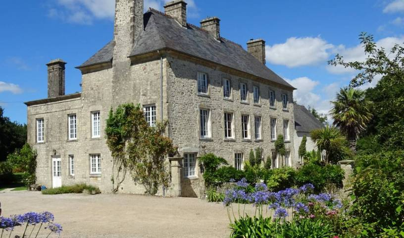 Manoir de Savigny - Search for free rooms and guaranteed low rates in Cherbourg-Octeville 14 photos
