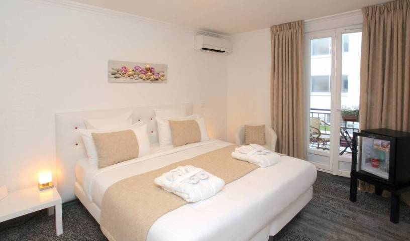 Palm Beach Hotel - Get low hotel rates and check availability in Cannes 1 photo