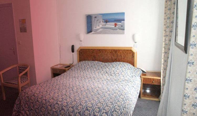 Sport Hotel - Get low hotel rates and check availability in Paris 14 Observatoire, hotel bookings 2 photos