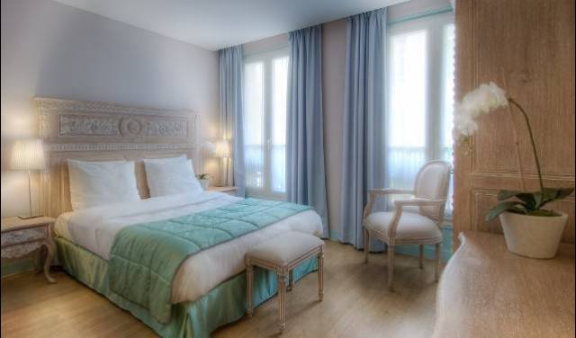 Taylor Hotel - Get low hotel rates and check availability in Paris, FR 4 photos