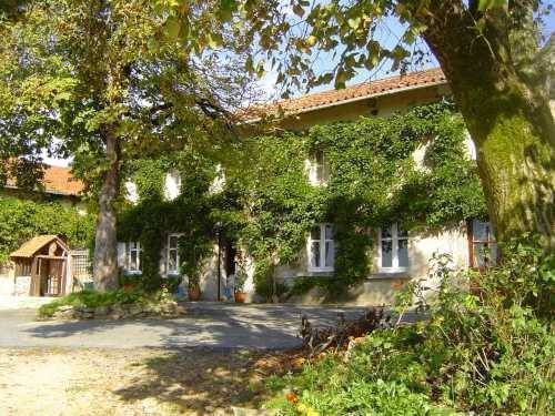 Domaine De Charlet, Saint-Laurent-sur-Gorre, France, France Hostels und Hotels