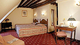 Gaillon Opera, Paris, France, late hotel check in available in Paris