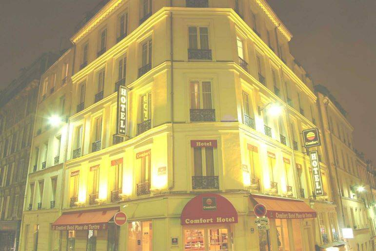 Comfort Hotel Place Du Tertre, Paris, France, France hotels and hostels