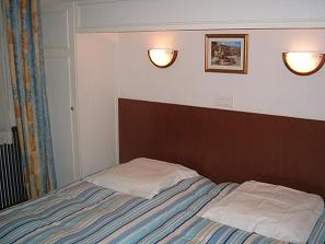 Hotel Darcet, Paris, France, hotels in safe neighborhoods or districts in Paris