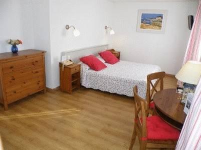 Le Clos Des Pins, Six-Fours-les-Plages, France, France hoteli i hosteli