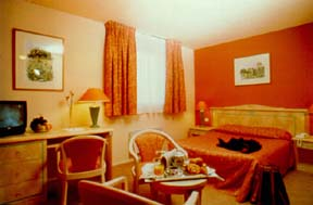Quality Inn Nanterre, Paris, France, famous holiday locations and destinations with hostels in Paris