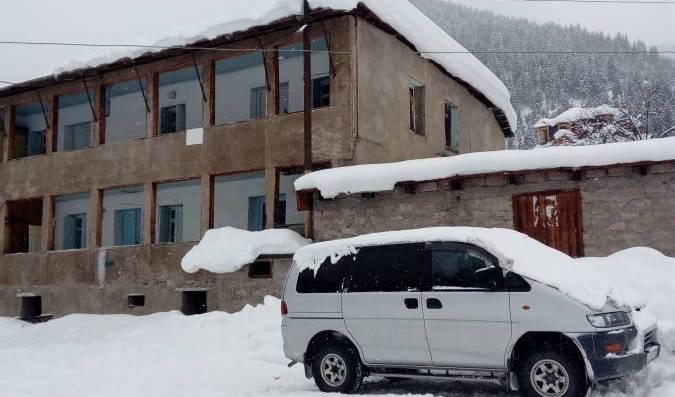 Guest House Kakhiani - Tìm phòng sẵn có cho đặt phòng khách sạn và nhà nghỉ tại Mestia 1 ảnh