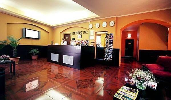 Hotel Grand - Tìm phòng miễn phí và mức giá thấp đảm bảo Meria 4 ảnh