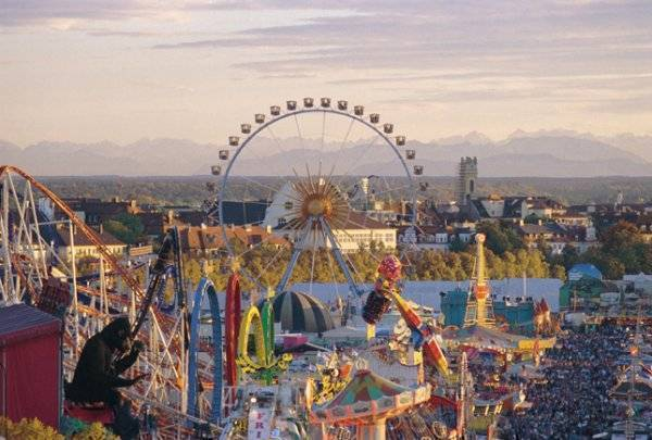Oktoberfest-Beds, Muenchen, Germany, famous holiday locations and destinations with hotels in Muenchen