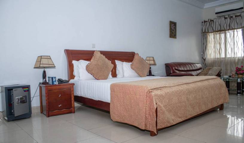 Mj Grand Hotel - Get low hotel rates and check availability in Accra, low cost deals 6 photos