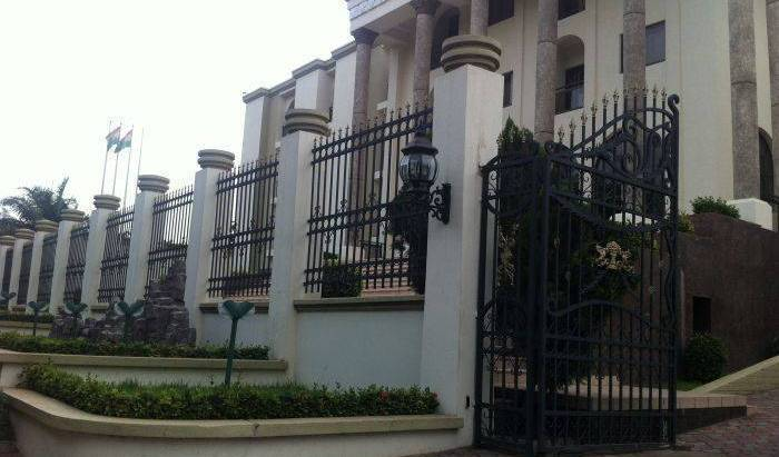 M Plaza Hotel - Search for free rooms and guaranteed low rates in Accra 1 photo