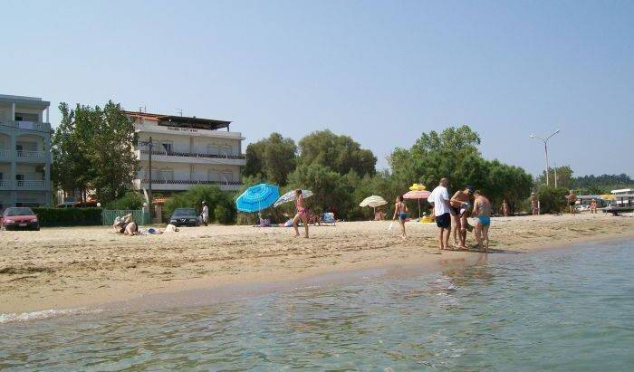 Hostel Pension Tzitzifies - Search for free rooms and guaranteed low rates in Thessaloniki 18 photos