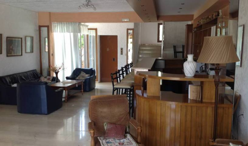 Krits Hotel, cool hostels for every traveler who's on a budget 22 photos