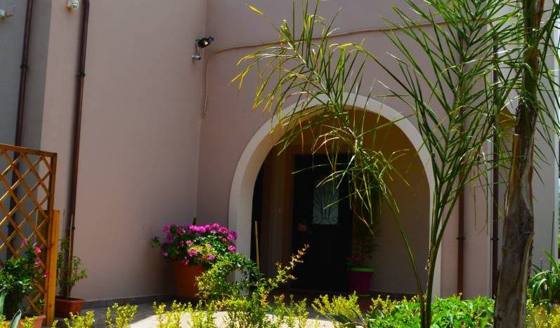 Villa Anastasia - Search for free rooms and guaranteed low rates in Maleme 5 photos