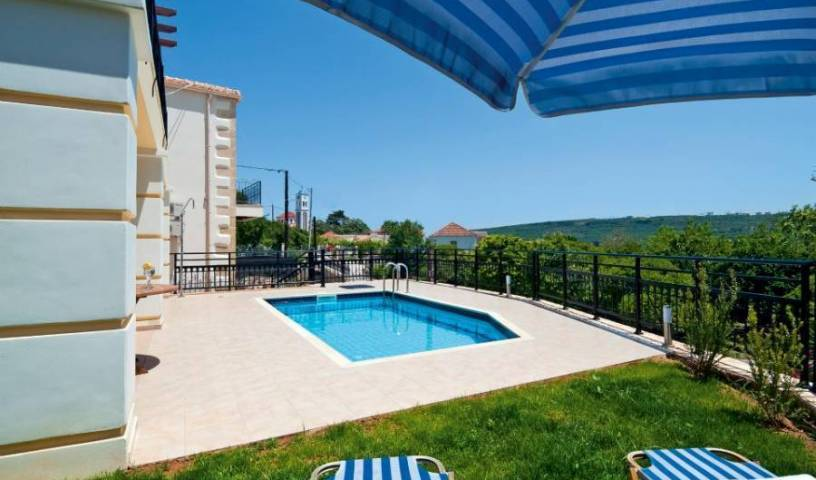 Villa Eleytheria, list of top 10 hotels and hostels in Plataniás 14 photos
