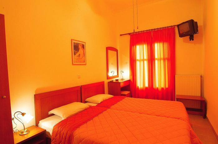 Sibylla Hotel, Dhelfoi, Greece, hotels in historic towns in Dhelfoi