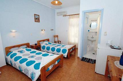 Villa Rosa Guest House, Karteradhos, Greece, check hotel listings for information about bars, restaurants, cuisine, and entertainment in Karteradhos