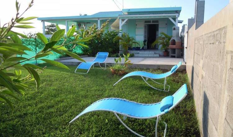 Joli 2 Pieces A Bon Standing - Search for free rooms and guaranteed low rates in Le Moule 6 photos
