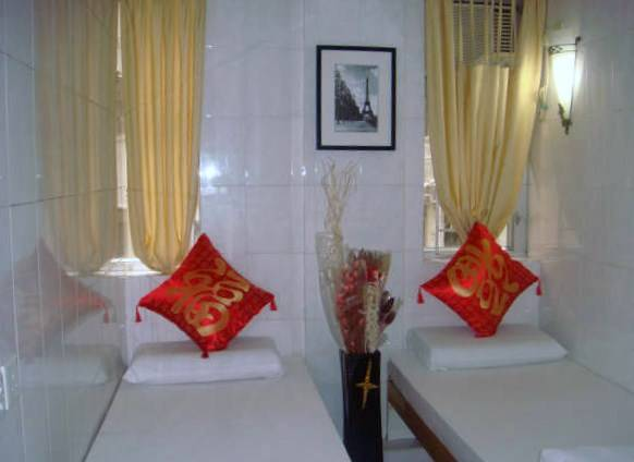 Paris Guesthouse, Tsim Sha Tsui, Hong Kong, book tropical vacations and hotels in Tsim Sha Tsui