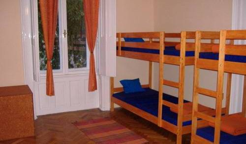 Leanback Hostel Budapest, online bookings, hotel bookings, city guides, vacations, student travel, budget travel 5 photos