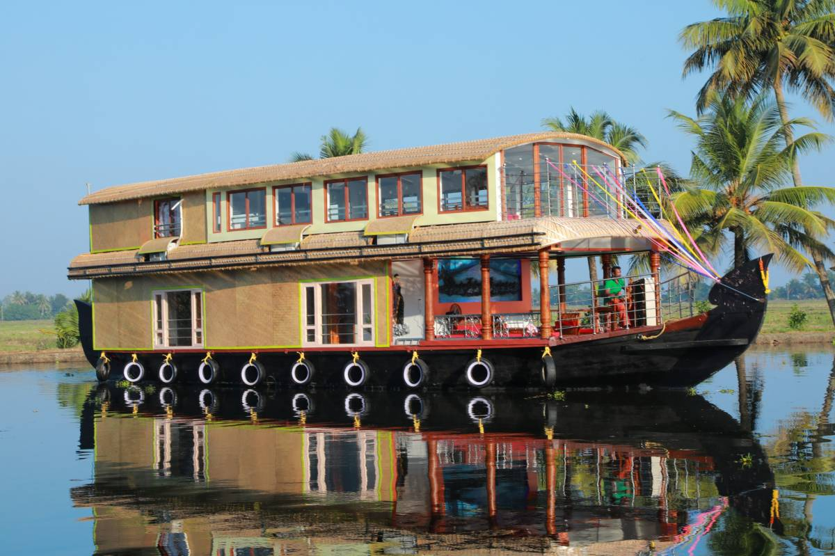 Beachparadise Daycruise Houseboat, Alleppey, India, India hotels and hostels