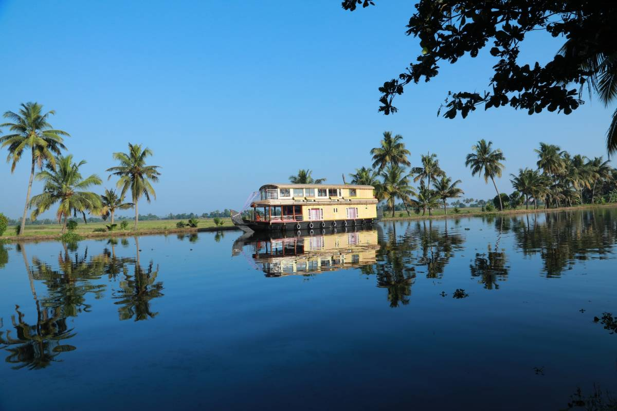 Beachparadise Daycruise Houseboat, Alleppey, India, excellent hotels in Alleppey