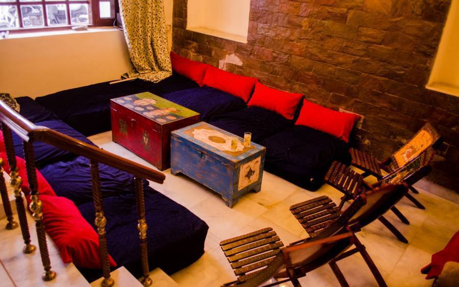 Boribista, New Delhi, India, tips for traveling abroad and staying in foreign hostels in New Delhi