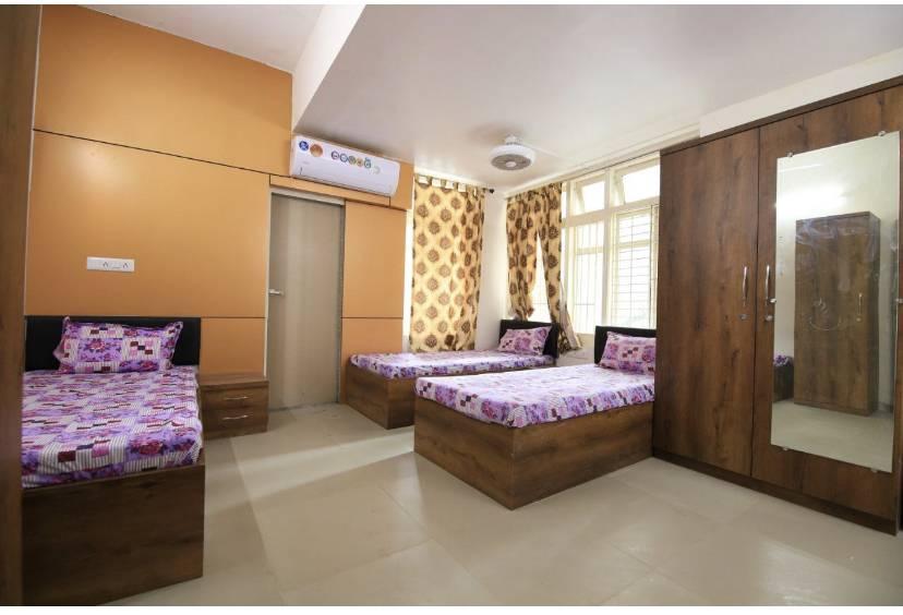 Code - Pg For Girls, Ahmadabad, India, India hoteller og vandrehjem