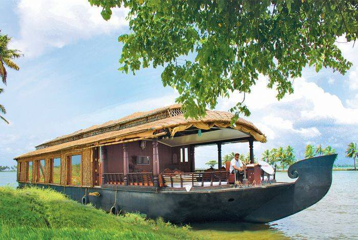Cosy Houseboats, Alleppey, India, India hotels and hostels