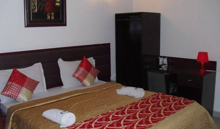 Eurostar International - Search available rooms for hotel and hostel reservations in Delhi, holiday reservations 12 photos