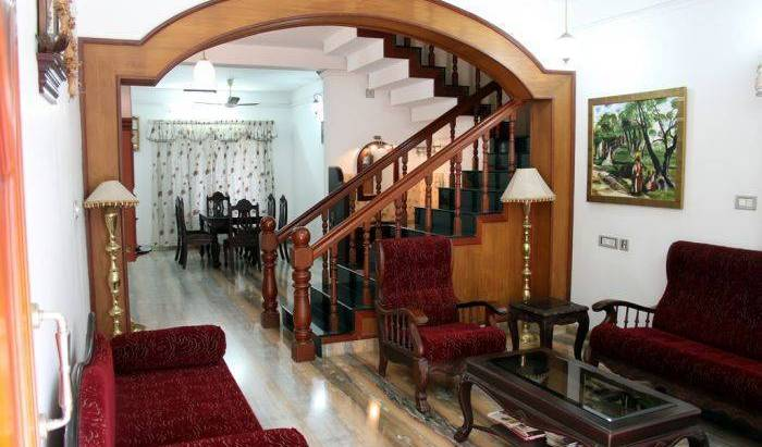 Homested - Get low hotel rates and check availability in Cochin, hotels within walking distance to attractions and entertainment in Irinj?lakuda, India 12 photos