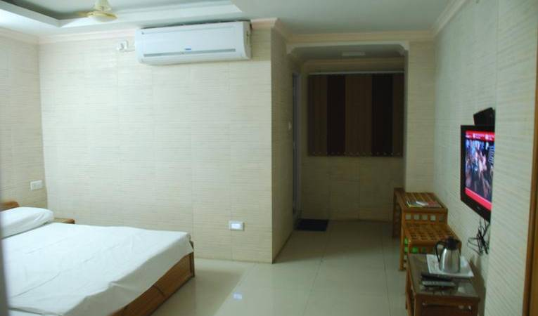 Hotel Ganpati Bhopal - Search available rooms for hotel and hostel reservations in Bhopal 3 photos