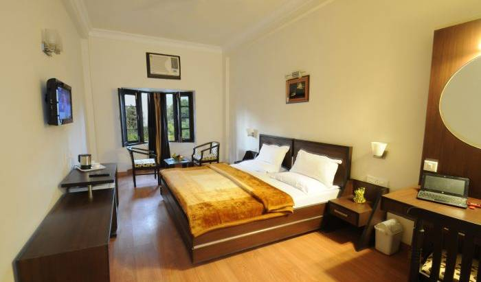Hotel Hong Kong Inn - Get low hotel rates and check availability in Amritsar 2 photos