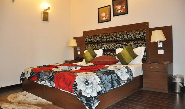 Hotel Metro Tower - Search available rooms for hotel and hostel reservations in New Delhi 9 photos