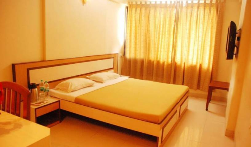 Hotel Mina International, adult vacations and destinations in Andheri, India 3 photos