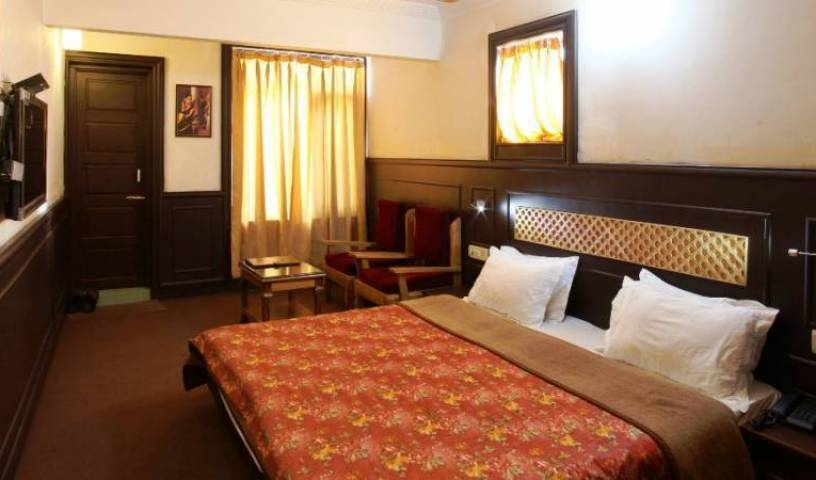 Hotel Sadaf - Get low hotel rates and check availability in Srinagar 21 photos