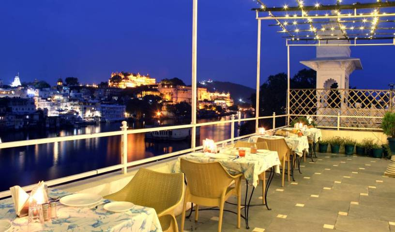 Hotel Sarovar - Search for free rooms and guaranteed low rates in Udaipur 4 photos