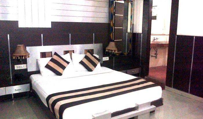 Hotel Spb 87 - Search available rooms for hotel and hostel reservations in Karol Bagh 15 photos