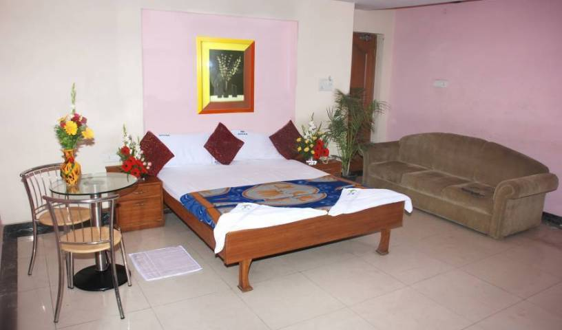 Hotel Sree Simran Palace - Search for free rooms and guaranteed low rates in Hyderabad 6 photos