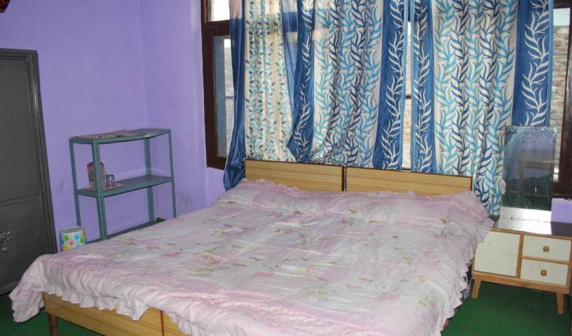 Kashmir Mahal Guest House - Get low hotel rates and check availability in Srinagar 2 photos