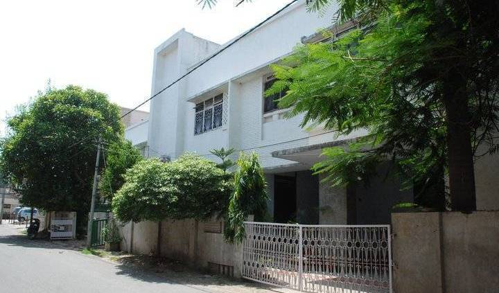 Redline Service Apartment - Search for free rooms and guaranteed low rates in Benares 5 photos