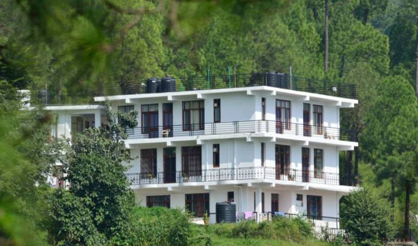 Sanawar View - Search available rooms for hotel and hostel reservations in Kasauli 5 photos