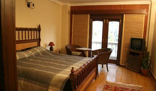 The Estate - Get low hotel rates and check availability in New Delhi 12 photos