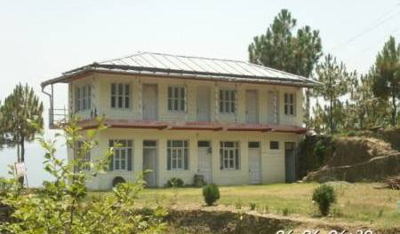 Treetops - Search available rooms for hotel and hostel reservations in Almora, best deals, budget hotels, cheap prices, and discount savings 3 photos