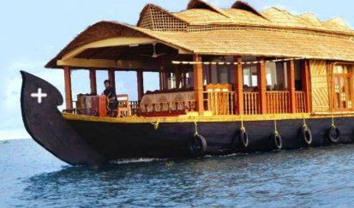 Vadakkathu Tourist Boat Service - Search for free rooms and guaranteed low rates in Kumarakom 15 photos