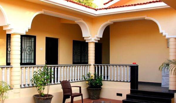 Vagator House Resort - Search for free rooms and guaranteed low rates in Goa 11 photos