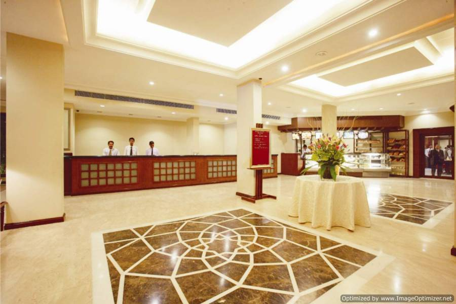 Express Towers, Vadodara, India, India hotels and hostels