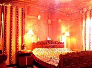 Golden Flower, Srinagar, India, Mi se natječu s najboljim svjetskim turističkim mjestima, rezervirajte zajamčene najniže cijene u Srinagar