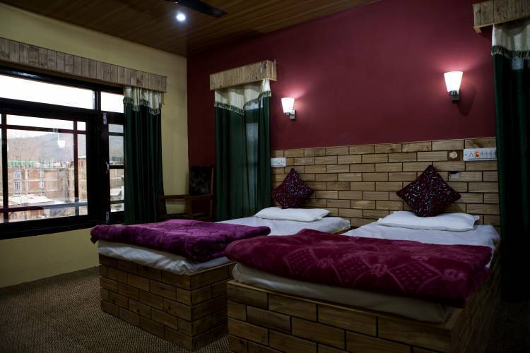 Hotel Kashmir Inn, Srinagar, India, hotels for christmas markets and winter vacations in Srinagar