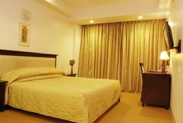 Hotel Mandakini Ambience, Wakad, India, لديهم تجربة أفضل، كتاب مع يز في Wakad